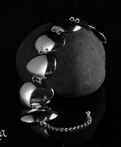 hopeinen rannekoru lusikoista