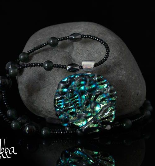 Helakka kaulakoru lasista vihreä