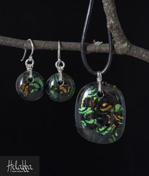 Helakka korusetti lasista vihreä